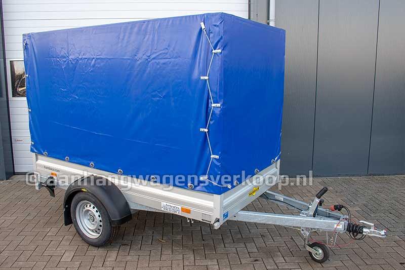 Enkelas aluminium aanhangwagen met blauwe huif
