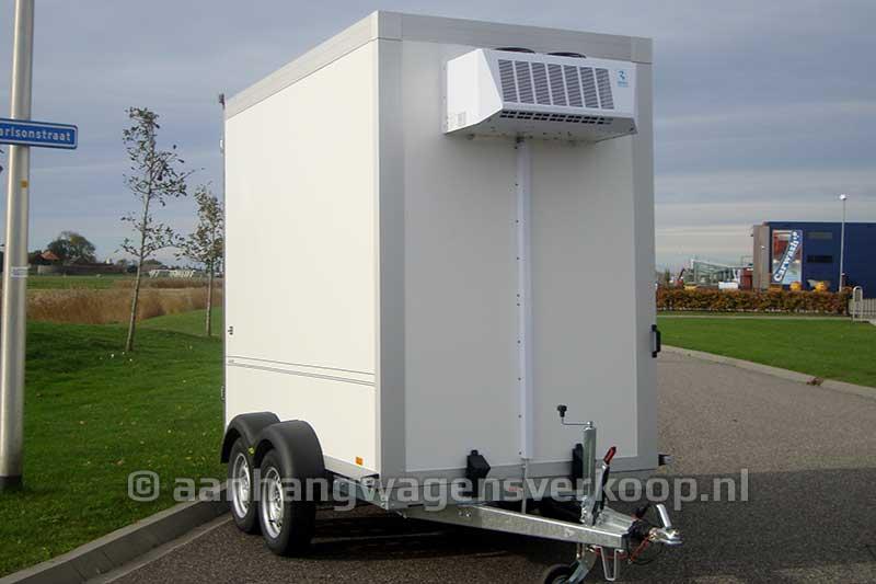 Vriesaanhangwagen met koelaggregaat